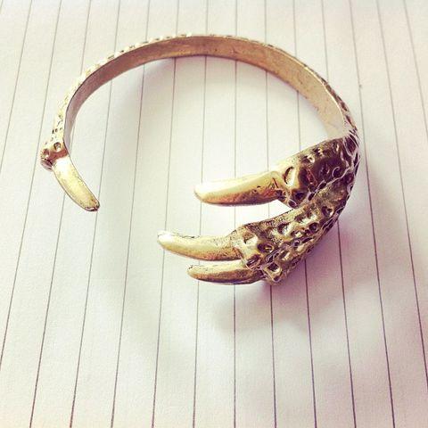 claw bangle