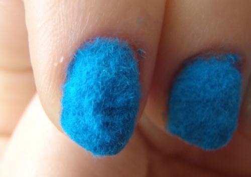 MUA fur effect nails 006